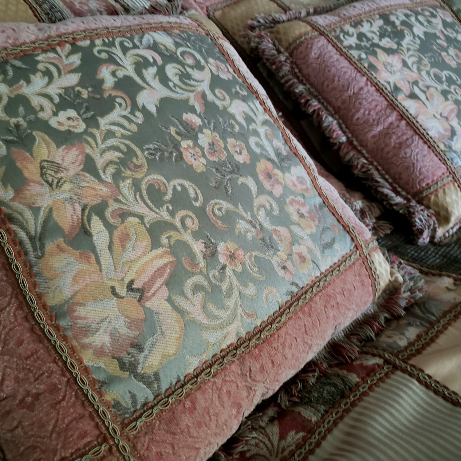 French Country Bedspread